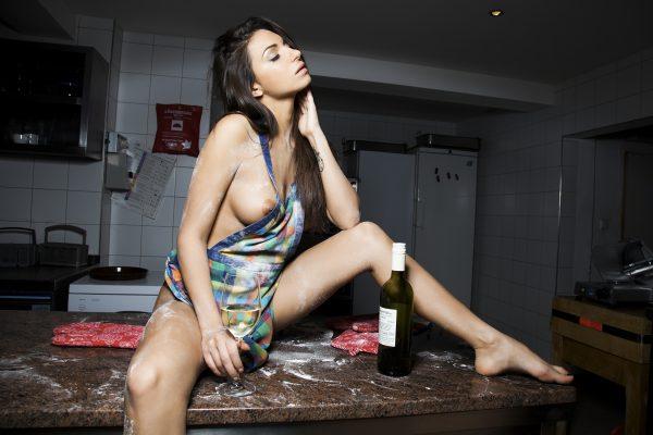 Daniela Smržová photography Praha fotograf reklama focení modelka model miss Anutka Playboy Rakousko kitchen sexy photoshoot